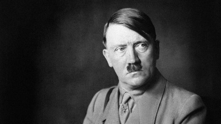 Revelan imágenes nunca vistas de Hitler en un álbum de su amante