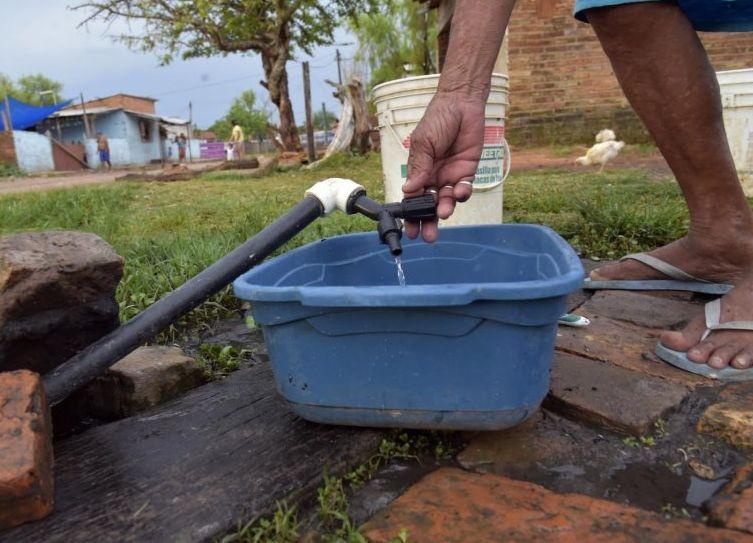ESSAP afirma que problema del agua en barrios de Asunción ya fue subsanado