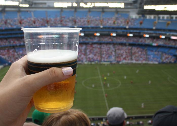 Olimpia plantea idea de implementar venta de cerveza en los estadios