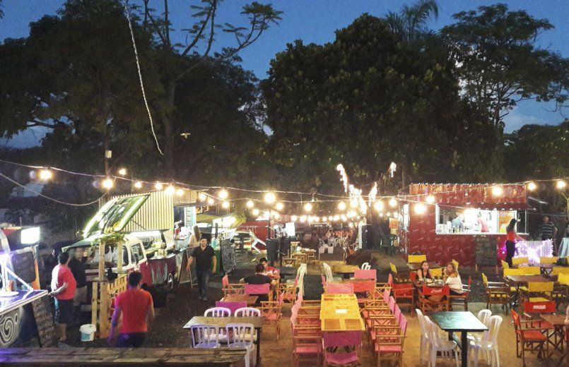 """""""Food Park"""" en barrio Recoleta estaría incumpliendo normas municipales"""