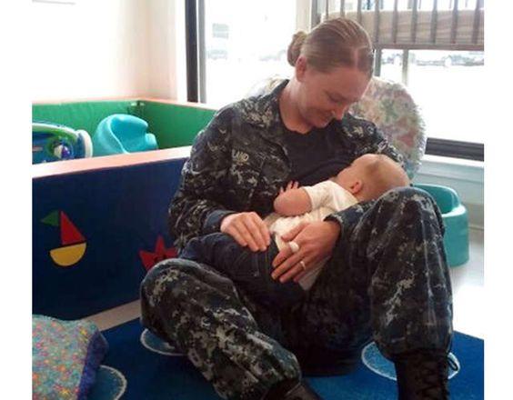 Madre militar denuncia que fue procesada por sus superiores por reclamar ley de lactancia