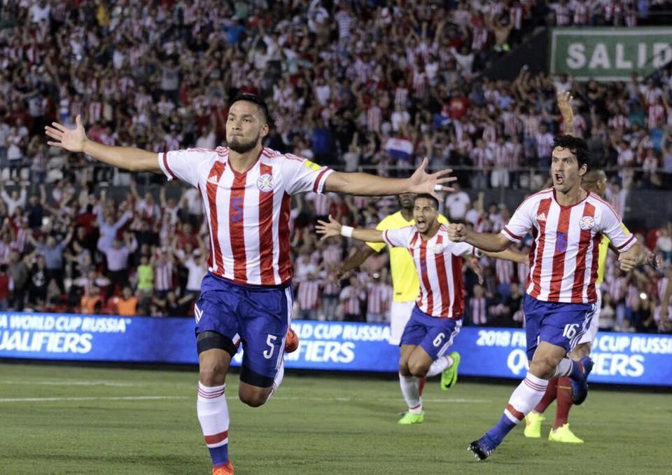 Paraguay derrota a Ecuador y sigue con la ilusión mundialista