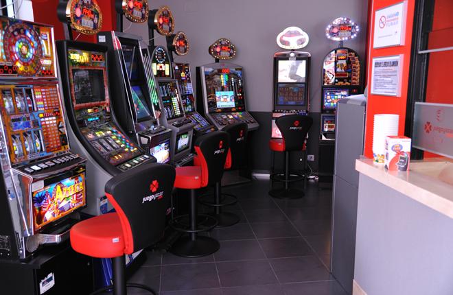 Anuncian que será revocada decisión de Junta que beneficia a moteles y salones de juegos