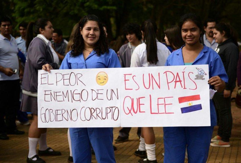Estudiantes secundarios esperan que este año ya se solucione la falta de docentes