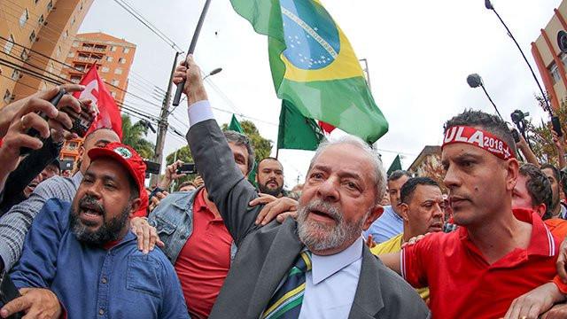 Corte Suprema de Brasil confirma anulación de condenas de Lula y podrá ser candidato presidencial