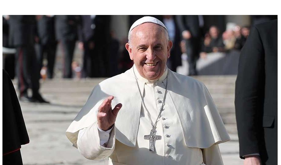 El papa Francisco sale del hospital diez días después de su operación de colon