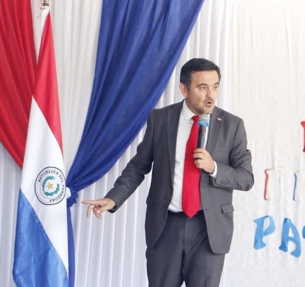 Eduardo Petta pone su cargo a disposición