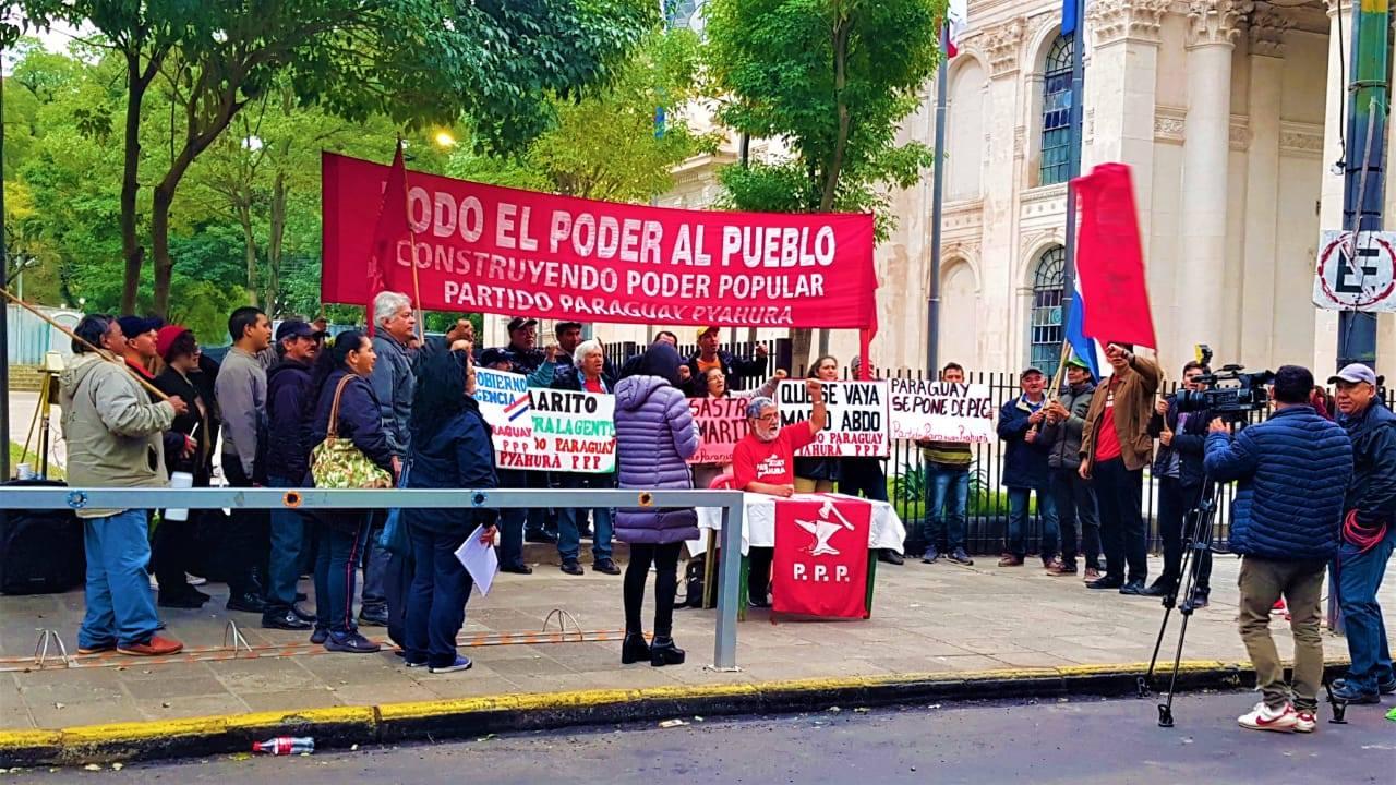 Paraguay Pyahurã marcha hasta Asunción exigiendo salida de Abdo