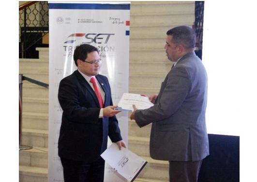 Fabián Domínguez resalta primer año de gestión de nueva administración de Tributación