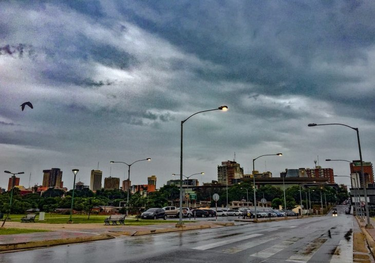 Pronostican domingo con lluvias y tormentas eléctricas