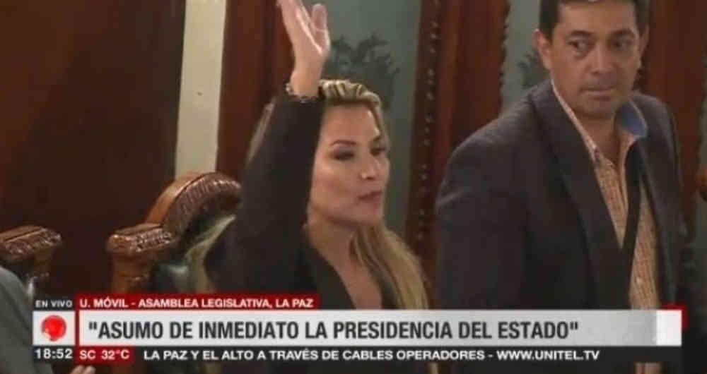Senadora Jeanine Añez presidenta interina de Bolivia