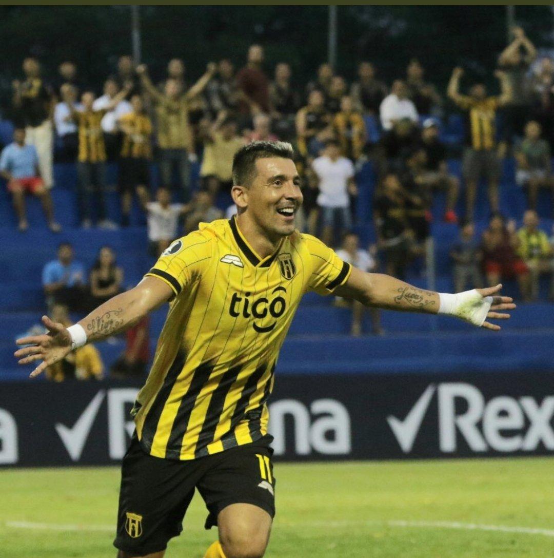 Guaraní pasa a la siguiente fase de la Libertadores con lluvia de goles.