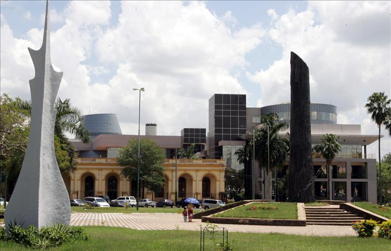 Secretaría de Cultura y Municipalidad de Asunción afinan detalles para recuperación de plazas del Congreso