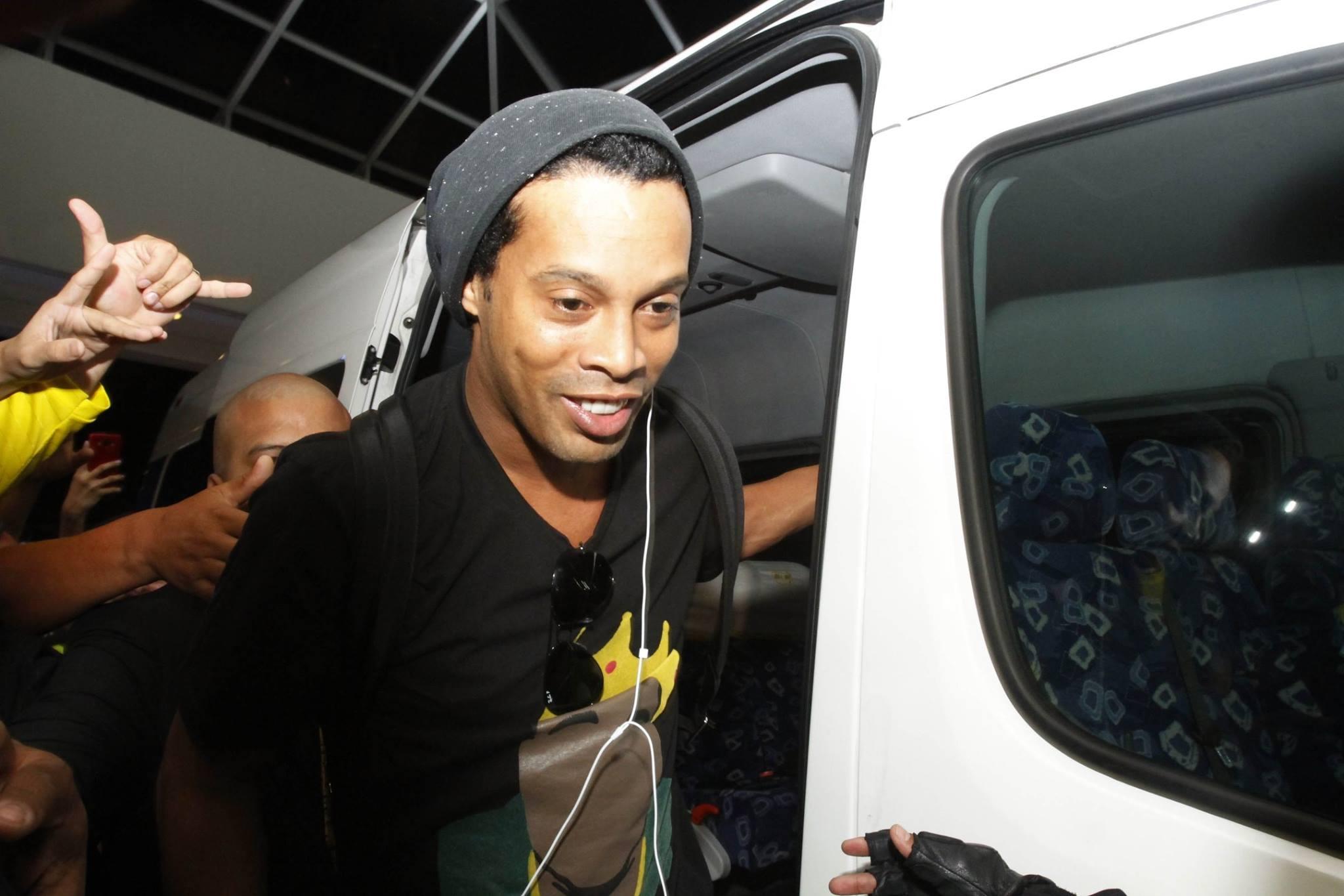 Ronaldinho con prisión preventiva en Hotel céntrico de Asunción
