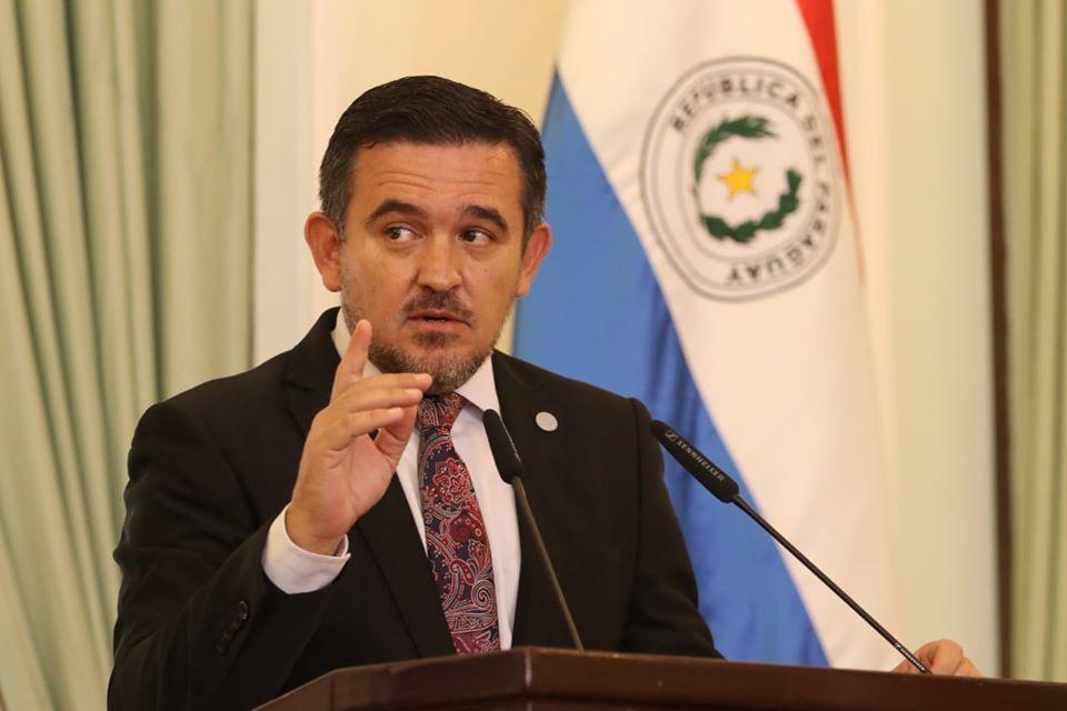 MEC demostró incapacidad para gobernar sistema educativo, sostiene especialista