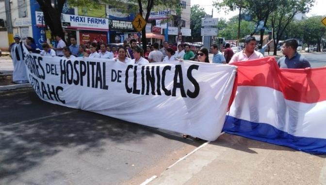 Médicos de Clínicas exigen insumos de bioseguridad