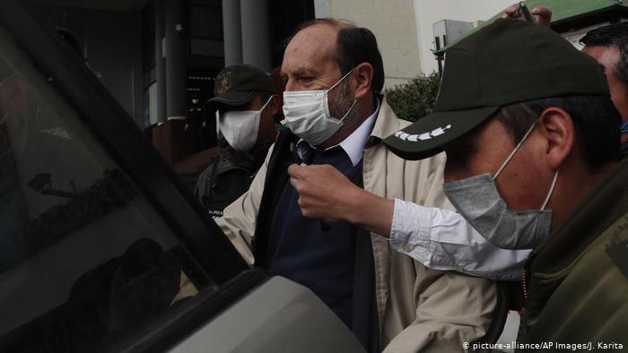 Bolivia: Envían a la cárcel a exministro de Salud por supuesta sobrefacturación de respiradores