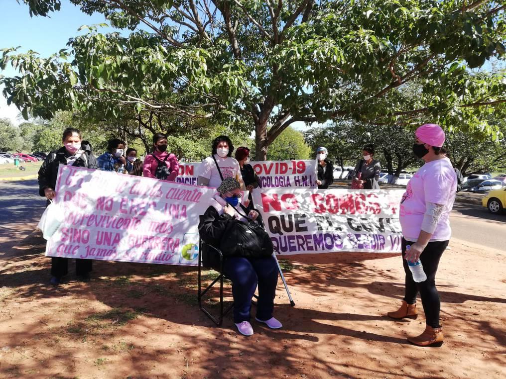Pacientes oncológicos reclaman espacio en el Hospital de Itaugua y denuncian no recibir atención integral