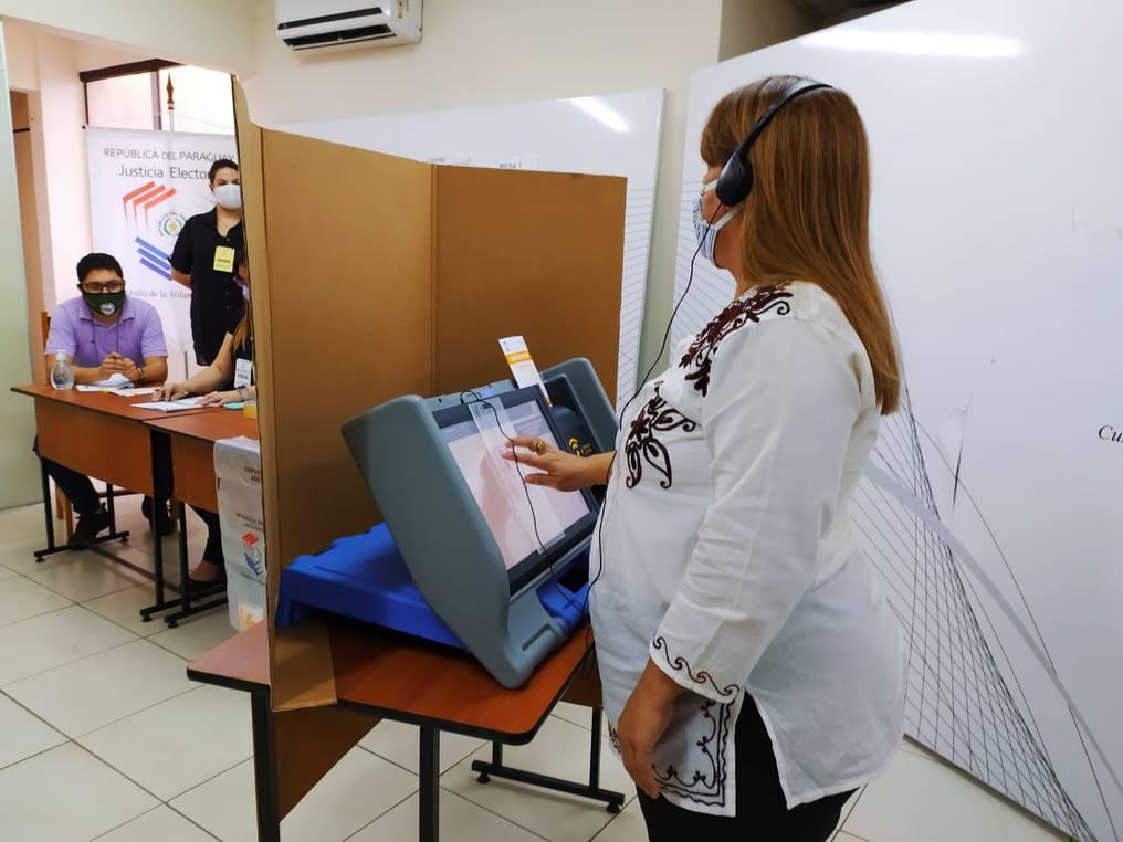 Aplicarán nuevo sistema de voto inclusivo para personas con discapacidad visual