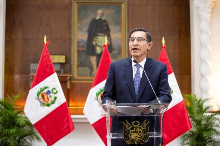 Perú: Cambio de gabinete de Vizcarra ya era necesario, según analista peruano