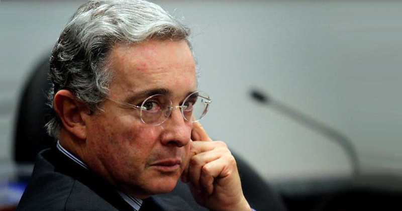 Corte Suprema de Colombia ordena prisión del expresidente Álvaro Uribe