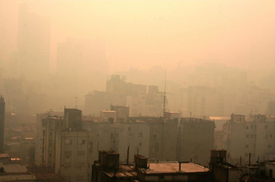 El humo de los incendios en el delta del Paraná llega a Buenos Aires y cubre la ciudad