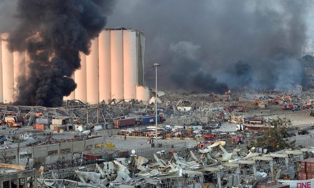 """Explosión en Beirut, Líbano: """"El suelo se movió como si fuera un terremoto y el cielo se tiño de negro"""""""