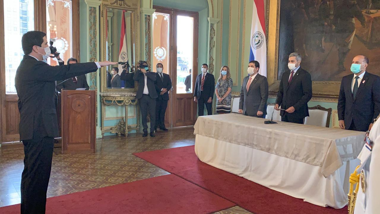 Federico González asumió como nuevo Canciller con Itaipú como principal desafío