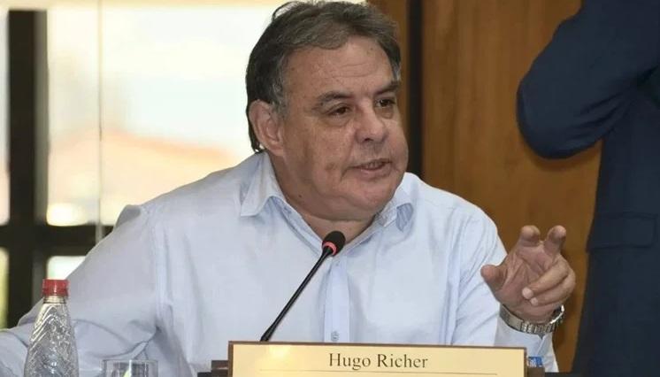 Hugo Richer critica excesiva cantidad de pedidos de pérdida de investidura sin ajustarse a Constitución