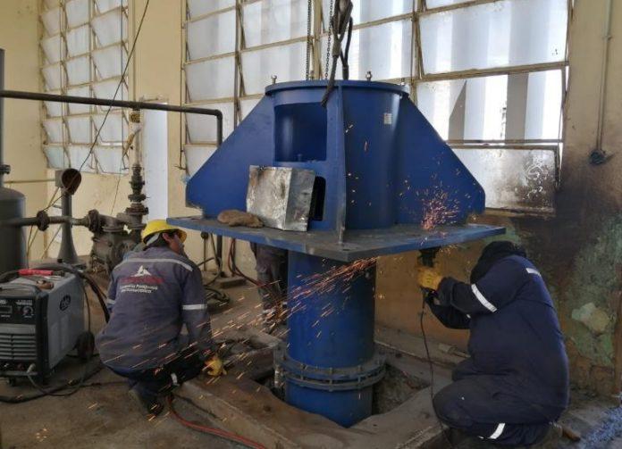 Essap inició la instalación de nuevas electrobombas para toma de agua en Viñas Cué