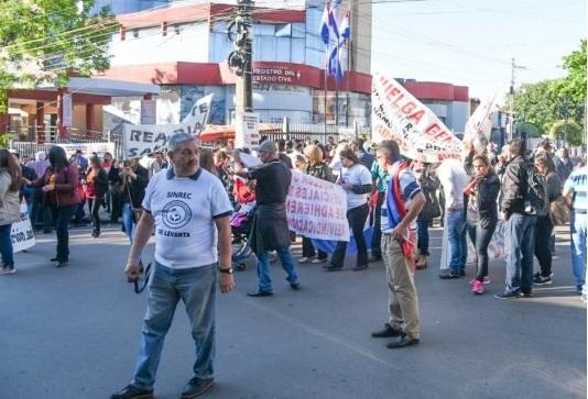 Funcionarios de Registro Civil postergaron huelga