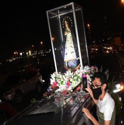 Virgen peregrina de Caacupé llega a Asunción este sábado