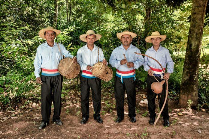 Declaran Patrimonio Cultural Inmaterial la música ancestral y prácticas de la banda Peteke Peteke