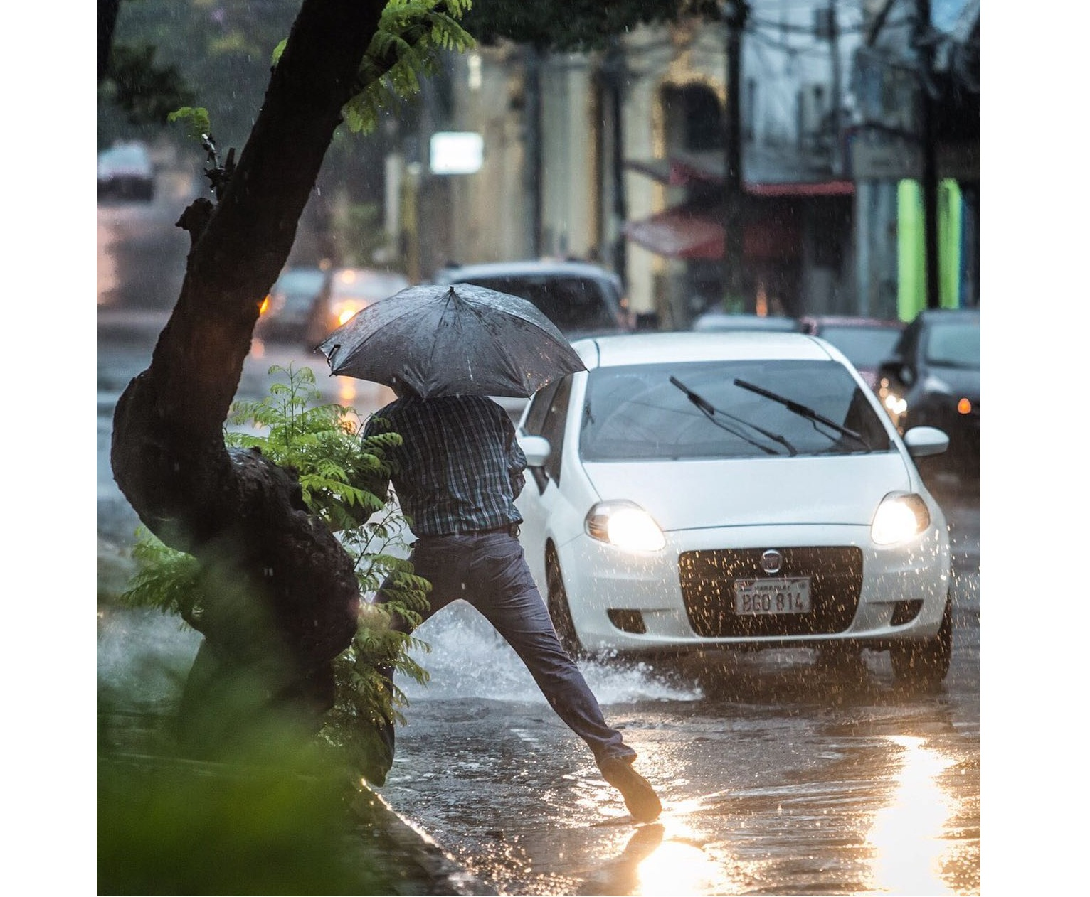 Seguirán las lluvias y tormentas este viernes