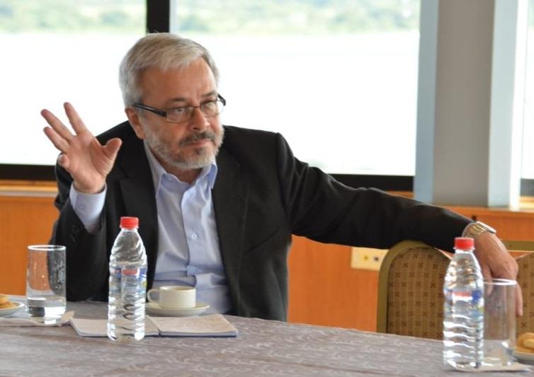 Senador Querey critica deficiencia comunicacional del Gobierno sobre vacunas anti-COVID