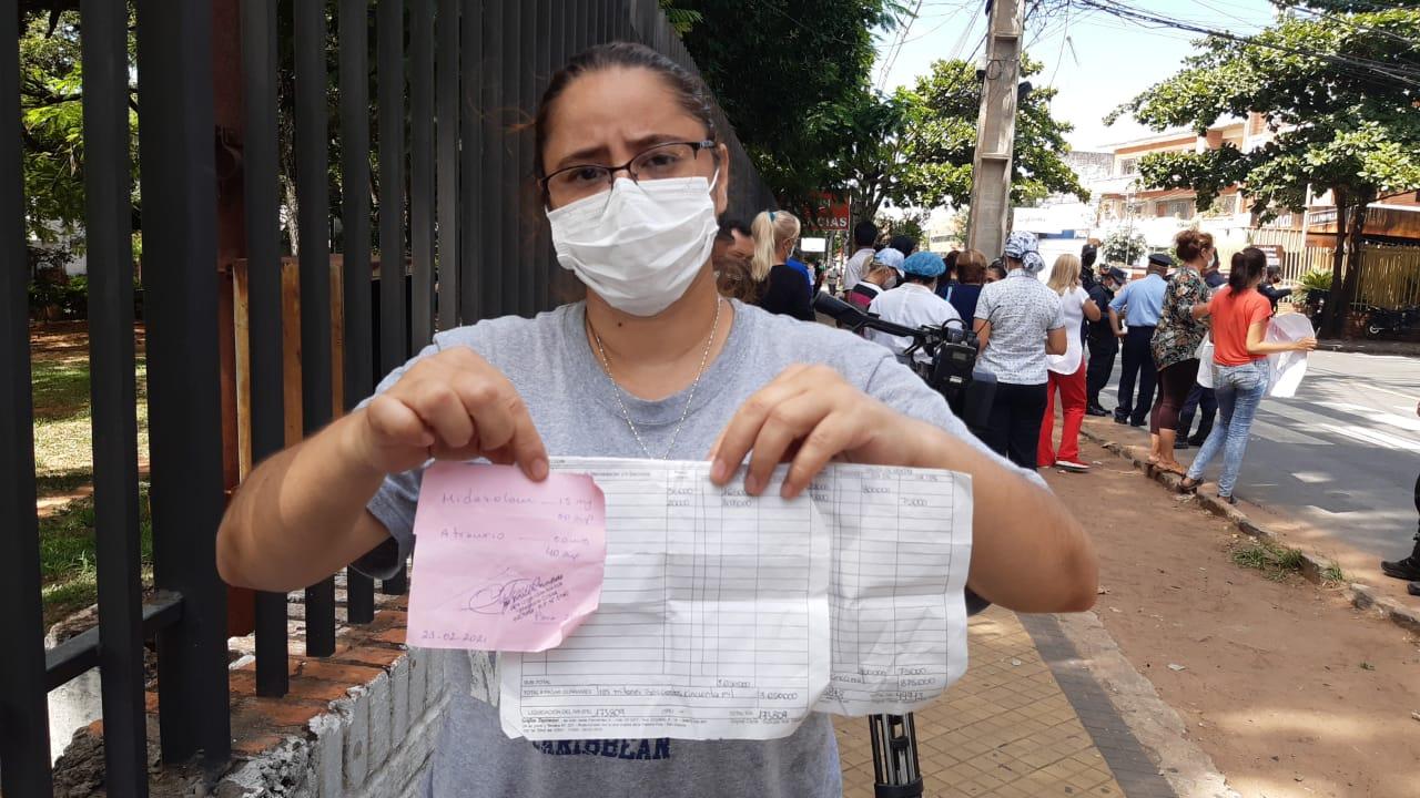 Familiares de internados con COVID-19 denuncian aprovechamiento y sobrefacturación de medicamentos en farmacias