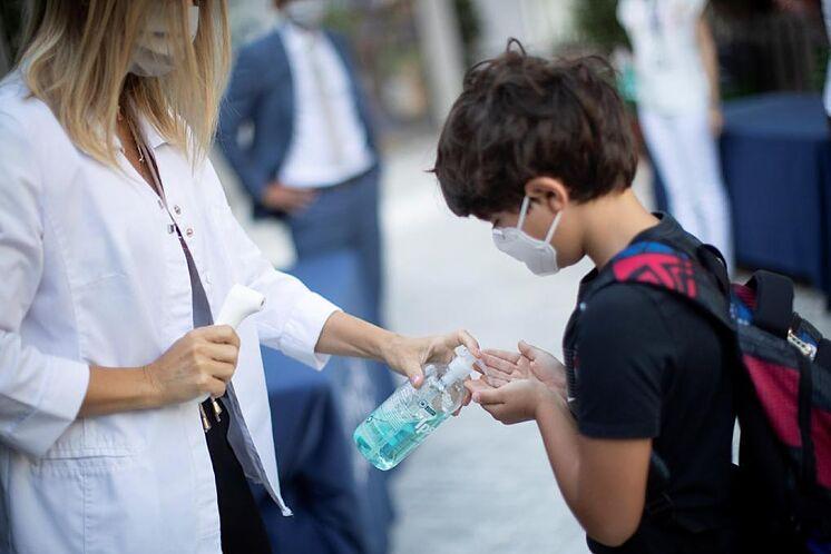 Regreso seguro a clases presenciales depende de inmunización completa de docentes y provisión de elementos de bioseguridad
