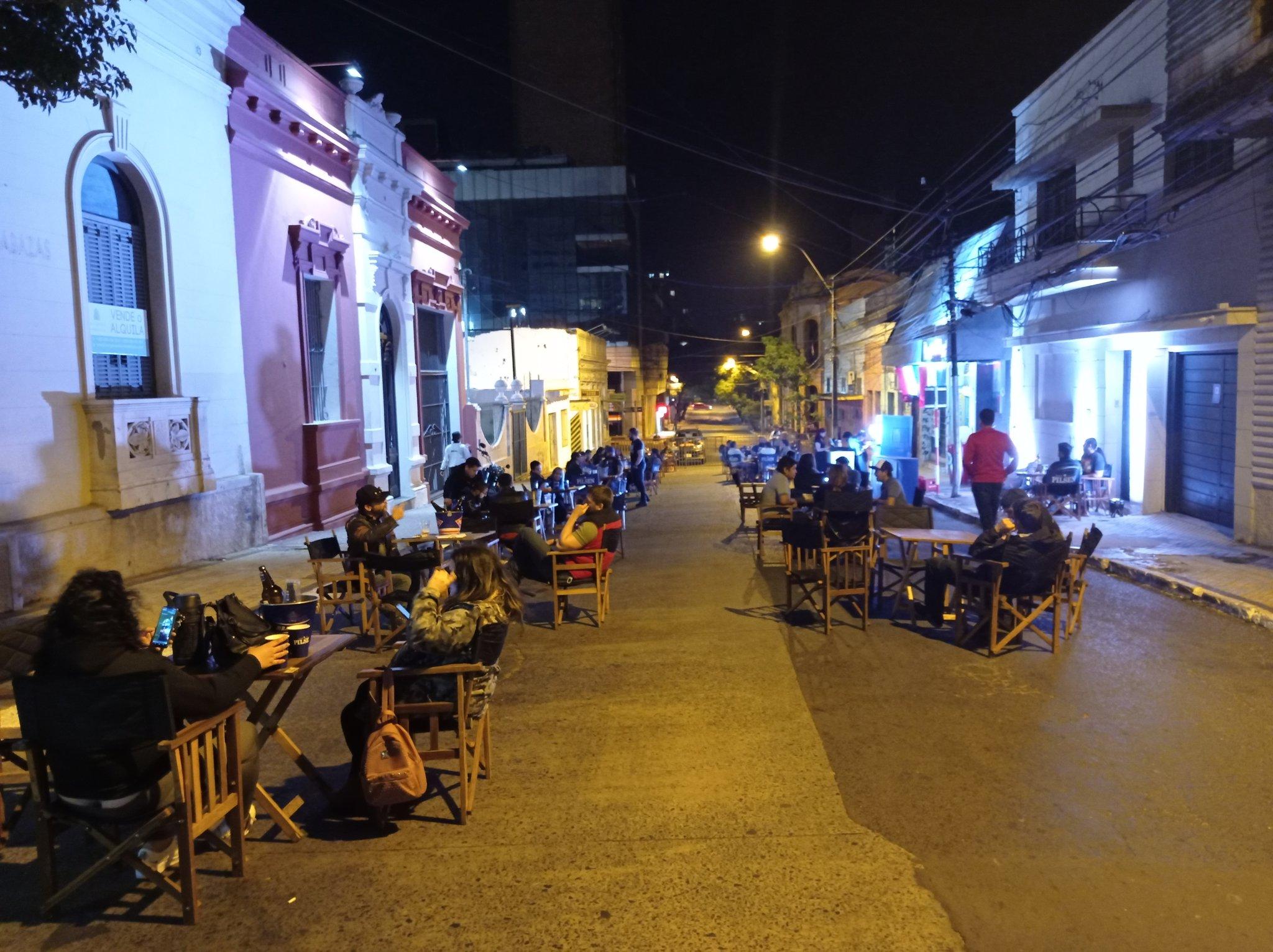 Califican de exitosa la habilitación de las calles de Asunción para los locales gastronómicos