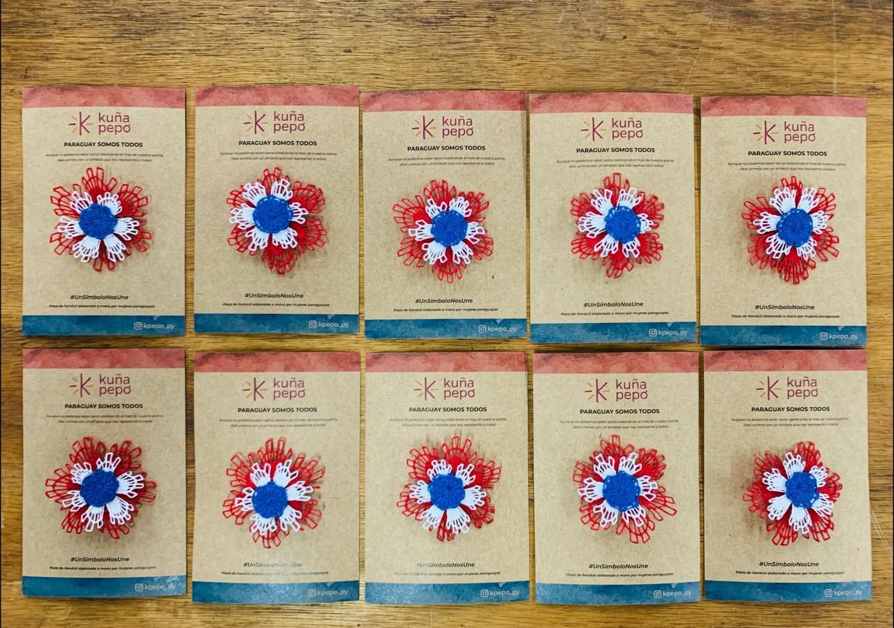 Proponen escarapelas tricolores de ñanduti para conmemorar el mes de la patria