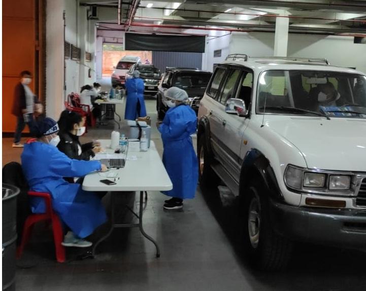 Con poca afluencia de personas en shoppings, Salud evalúa mudar vacunatorios a mercados y cooperativas
