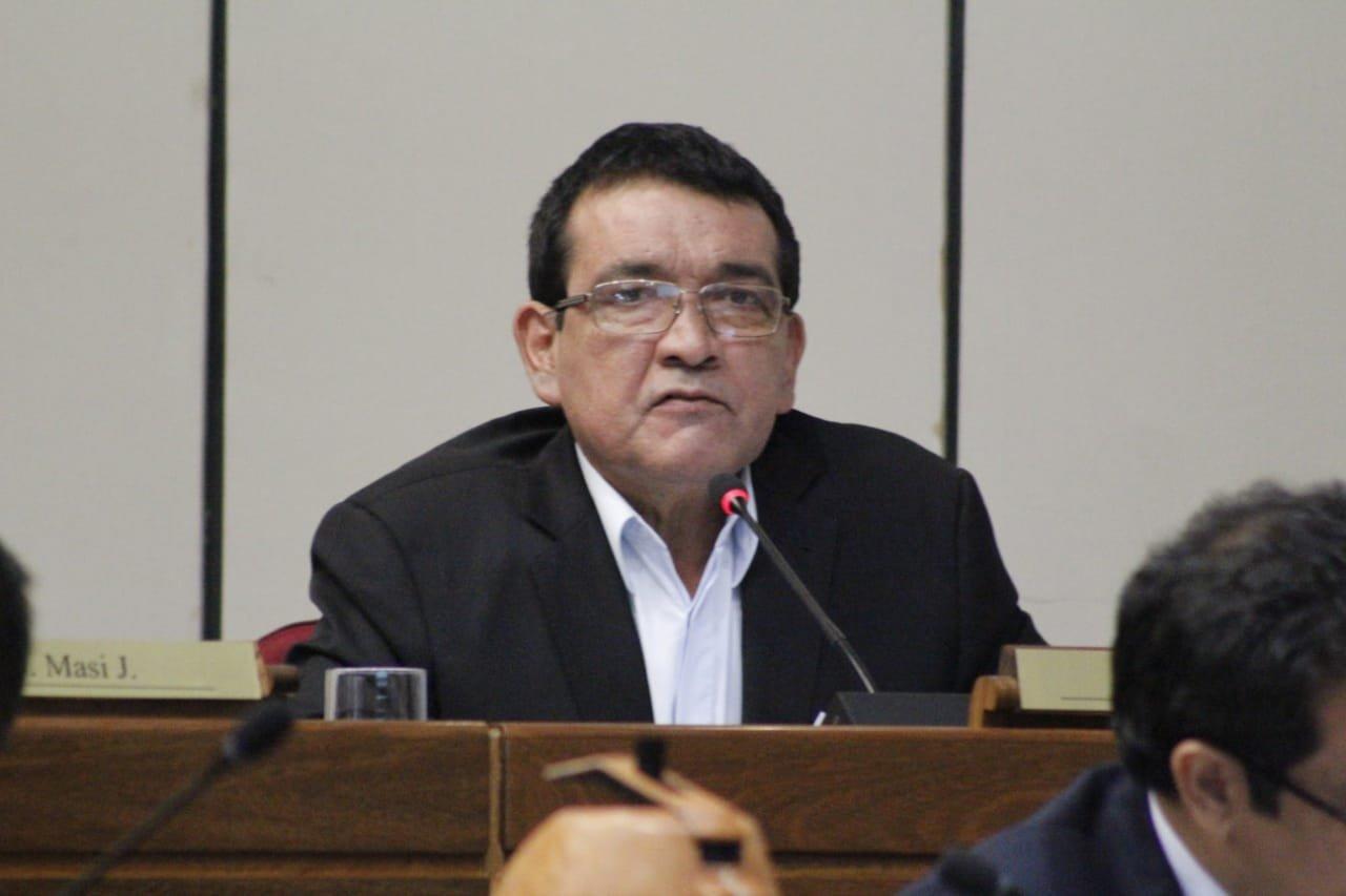 PDP votó a favor de Salomón ante falta de acuerdo en PLRA, explica senador Santa Cruz