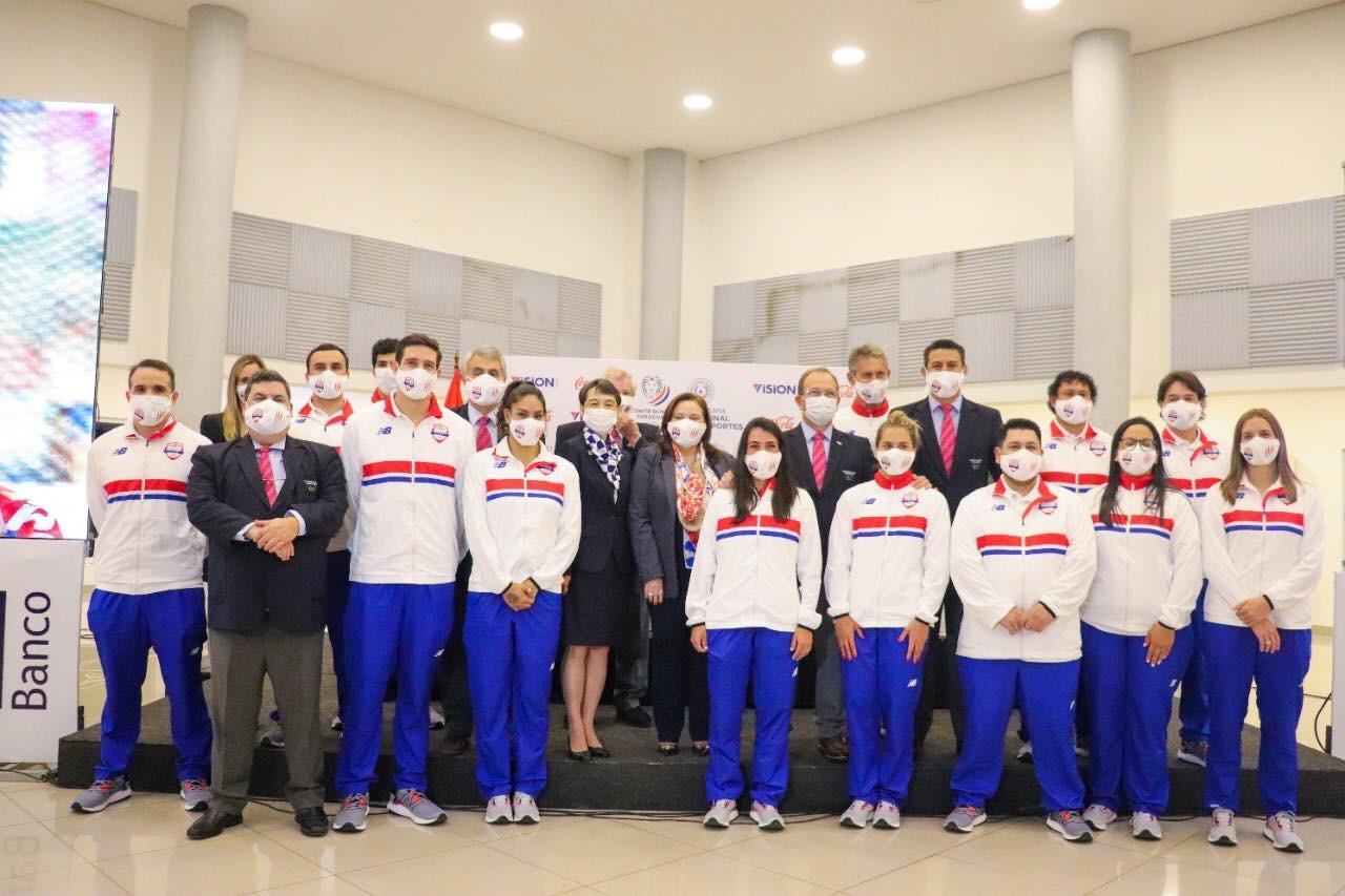 Entrega de uniformes y despedida de atletas olímpicos