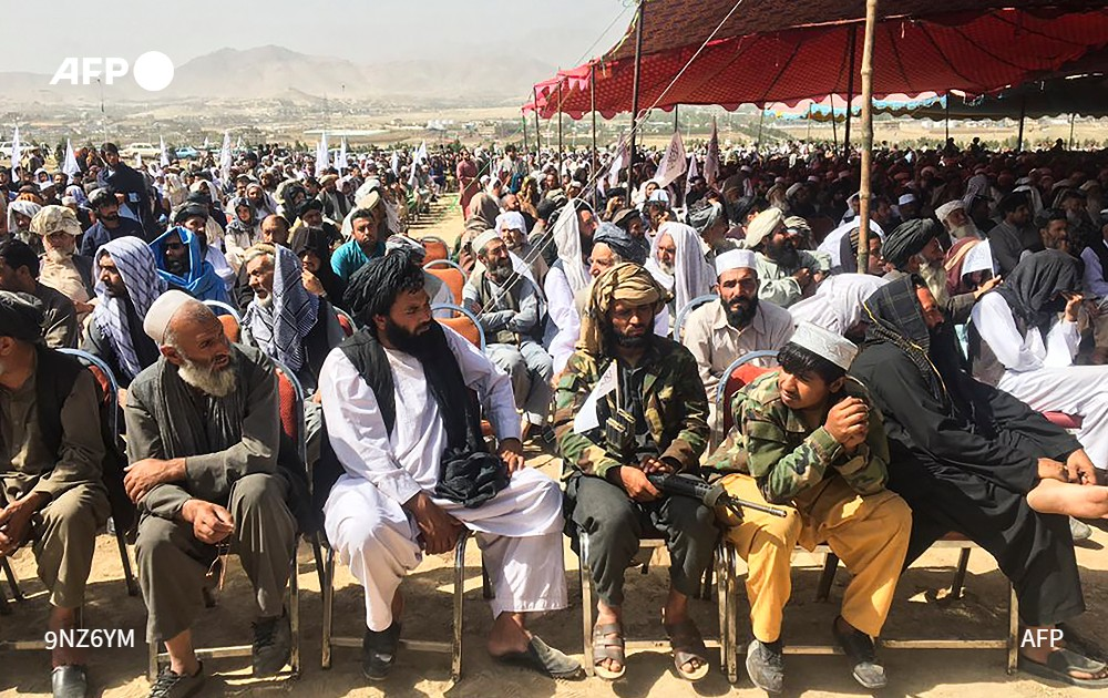 Los talibanes y sus seguidores celebraron la toma del poder en Afganistán
